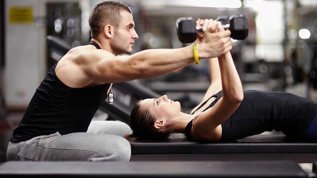 Aumente sua resistência física! Combine exercícios cardiovasculares com musculação.