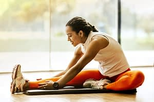 Veja importância de se alongar antes e depois dos exercícios físicos!
