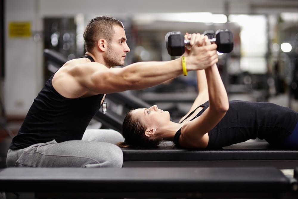 Evite lesões durante os exercícios físicos: Busque ajuda de um profissional