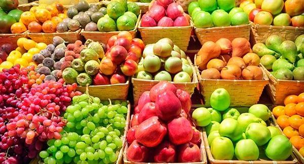 frutas em cestas